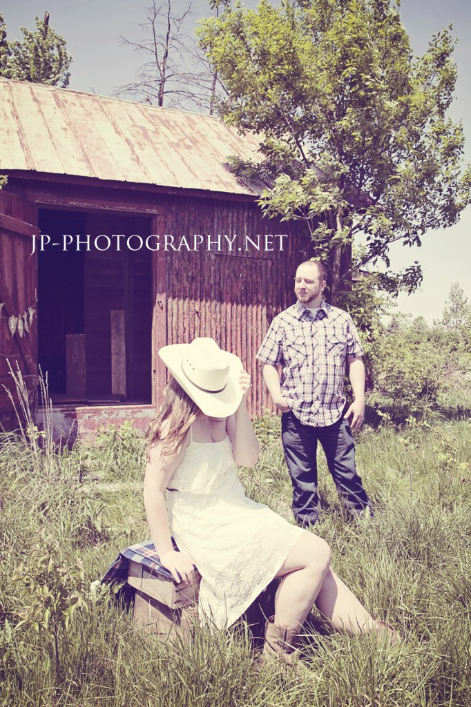 ne year anniversary shoot, country session, engagement style, burlap, cowgirl boots